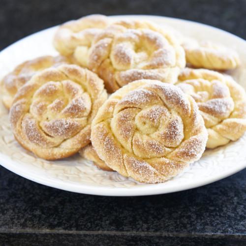 Karlsbaderbullar med smör och vanilj