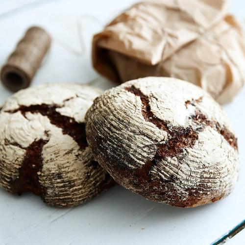 Frukt & nötbröd på kornmjöl