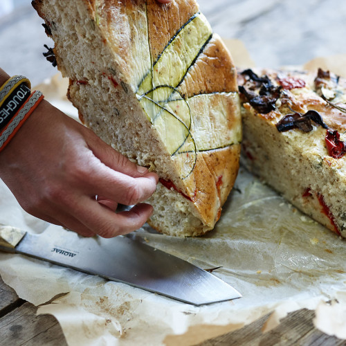 Glutenfritt bröd med grillade grönsaker