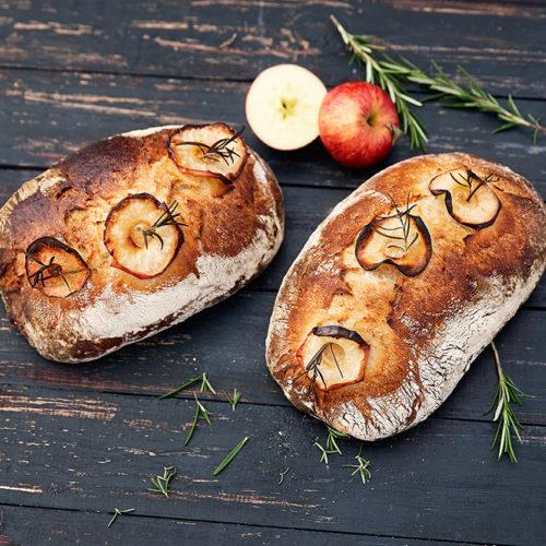 Äppelsurdegsbröd med rosmarin