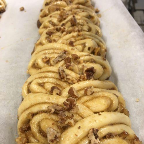 Karlsbaderlängder med kolafyllning och karamelliserade valnötter