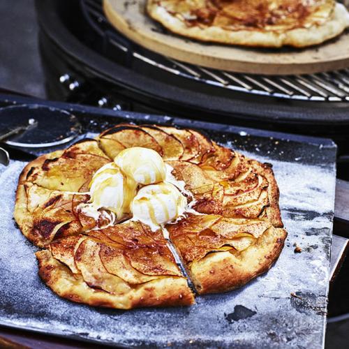 Grillad äppelpizza